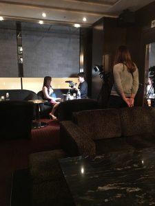 お店のVIPルームで取材撮影は行われました。